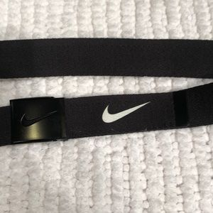 ADJUSTABLE NIKE GOLF BELT